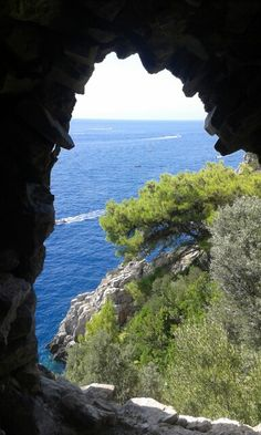 Marina di Nerano scorcio dalla torre saracena.