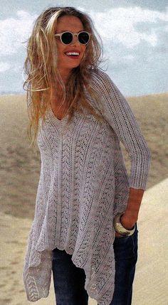 Белый пуловер с асимметричным краем. Пуловер женский спицами
