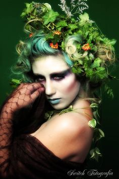 Poison Dryad http://www.makeupbee.com/look_Poison-Dryad_35366