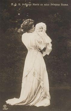 The Crown Princess of Romania with her third daughter Princess Ileana born on 5 January 1909 Romanian Royal Family, Greek Royal Family, Princess Alexandra, Princess Beatrice, Princess Victoria, Queen Victoria, Michael I Of Romania, Elisabeth I, Royal Blood