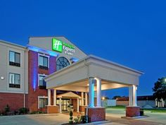 South Bend (IN) Holiday Inn Express Hotel & Suites South Bend Notre Dame Univ. United States, North America Set in a prime location of South Bend (IN), Holiday Inn Express Hotel & Suites South Bend Notr puts everything the city has to offer just outside your doorstep. The hotel offers a wide range of amenities and perks to ensure you have a great time. Take advantage of the hotel's free Wi-Fi in all rooms, facilities for disabled guests, Wi-Fi in public areas, car park, meetin...