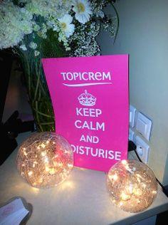 GIVEAWAY : fêtez les 20 ans de TOPICREM ! http://www.sammakeupaddict.com/2013/11/giveaway-fetez-les-20-ans-de-topicrem.html
