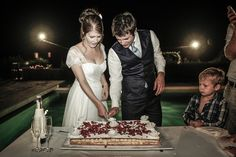 The wedding cake cutting!