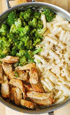 Chicken Broccoli Alfredo Pasta, Creamy Chicken Pasta, Chicken Pasta Recipes, Healthy Pasta Recipes, Broccoli Recipes, Cooking Recipes, Broccoli Salad, Healthy Meals, Sauce Alfredo
