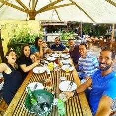 Amigos cervejas e boas risadas. Gosto assim!    . #instafriends #instagram #instagramers #friends #beers #beerporn #cervejagelada #cerveja #loiragelada #cervejaartesanal #destinocervejeiro #marolacomcarambola #pornbeer #weis #weiss #beerstagram #boteco #gastronomy #gastropost #foodblogger #sp4you #amorpaulista #vejo_sp #super_saopaulo #sampaclick #minhasampa #brazilingram #mtur #partiubrasil #gastropostvan by eloahcristina
