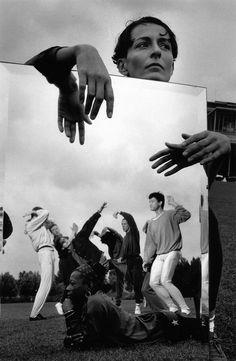 Robert Doisneau // Dance - Régine Chopinot à la Villette 1990