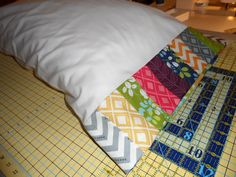 charm pack quilt patterns free | Quilting Lodge Blog: Easy Pillowcase Pattern Using a Charm Pack