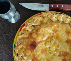 E a nossa versão da Torta Medieval Grande por R$ 55,00. Ideal para uma festa. #tortamedieval #guerradostronos 🌱🐔🐄🍫🍰 @donamanteiga #donamanteiga #danusapenna #amanteigadas #gastronomia #food #bolos #tortas www.donamanteiga.com.br