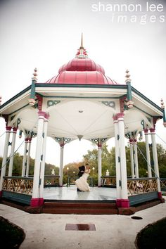 Love the gazebo for an engagement picture!