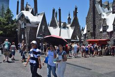 Learn how to maximize your time at Universal Studios Hollywood.