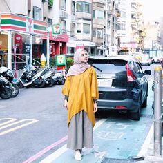 "6,681 Likes, 38 Comments - Richa Etika Ulhaq 烏提卡 (@richaeu) on Instagram: ""Light up the day with mustard thing ☀️ Wearing @moezz_id minosi mustard tunik #stylingmelody"""