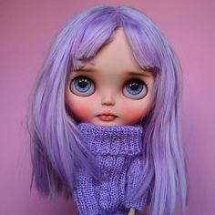 He encontrado este interesante anuncio de Etsy en https://www.etsy.com/es/listing/585508901/reservados-a-m-aviva-custom-blythe-doll