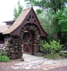 Riordan Mansion, Flagstaff Arizona Photo Gallery: Beautiful Stone Garden Gate