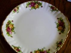Royal Albert old country roses Bone China cake plate Platter 1962 LTD 10 3 8 & Royal Albert Bone China Petite Point-1 Round Cake Platter with ...