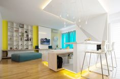 Something Yellow...something Blue - A Penthouse For TWO - Picture gallery