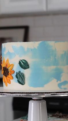 Cake Decorating Videos, Cake Decorating Supplies, Cake Decorating Techniques, Macarons, Cupcake Videos, Sunflower Cakes, Buy Cake, Fall Cakes, Buttercream Flowers