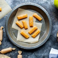 Burnt Sugar Almonds (Gebrannte Mandeln) - Saving Room for Dessert Homemade Almond Roca Recipe, Christmas Candy, Christmas Cookies, Candied Almonds, Burnt Sugar, Peanut Butter Balls, Baileys Irish Cream, Looks Yummy, Unsweetened Cocoa
