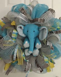 quenalbertini: Elephant Deco Mesh Wreath for Baby Boy Room Baby Shower Parties, Baby Boy Shower, Baby Shower Gifts, Baby Showers, Baby Boy Wreath, Baby Wreaths, Elephant Shower, Baby Elephant, Baby Kranz