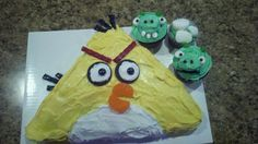 Stuff I've Made...: Angry Bird Cake