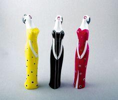 Znacie i lubicie porcelanowe figurki z Ćmielowa, na przykład Śpiewaczkę lub Dziewczynę w spodniach? Ich autorem jest Lubomir Tomaszewski.Urodzony w 1922 r. twórca od pół wieku mieszka w USA. Instytut Designu w Kielcach zorganizował temu niezwykłemu artyście wystawę retrospektywną. Można na niej zobaczyć 150 prac obejmujących trzy najważniejsze dziedziny jego twórczości: design, malarstwo i rzeźbę.