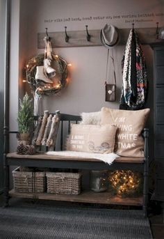 Rustic farmhouse mudroom decorating ideas (53)