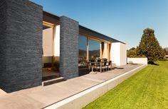 kamień elewacyjny zewnętrzny sztuczny - Szukaj w Google Palermo, Stone Texture Wall, Obi, Facade, Sidewalk, Mansions, House Styles, Image, Furniture
