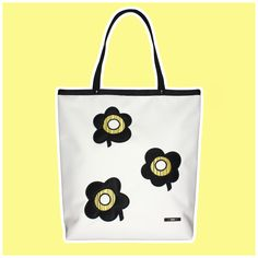 GOSHICO, ss2015, Shopper bag, white + pop art flowers. To download high or low resolution photos view Mondrianista.com (editorial use only).