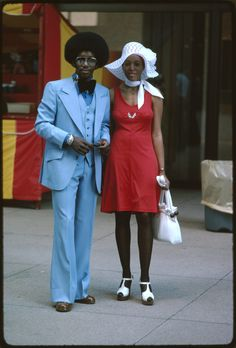Vintage Black Fashion, Chicago, 1975 via vintagenoire: Foto Fashion, 70s Fashion, Vintage Fashion, Fashion Trends, Street Fashion, Winter Fashion, Cheap Fashion, Fashion Styles, Old School Fashion