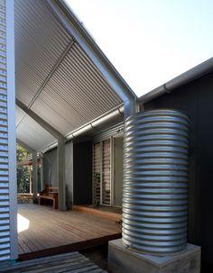Tinbeerwah House / Robinson Architects #rainwaterharvesting #cistern