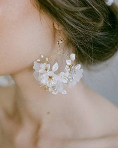 "Twigs & Honey® shared a photo on Instagram: ""Our bestselling style 951 earnings. Handmade in our studio and available in gold or silver. Super…"" • See 2,191 photos and videos on their profile. Bridal Earrings, Pearl Earrings, Bridal Gowns, Wedding Gowns, Wedding Dress With Veil, Photoshoot Inspiration, Bridal Style, Muse, Honey"