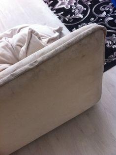 Valkoiselle sohvalle uutta eloa Ottoman, Chair, Furniture, Home Decor, Decoration Home, Room Decor, Home Furniture, Interior Design, Home Interiors