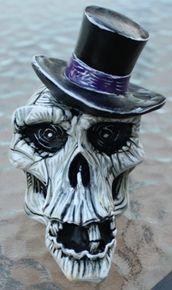 """""""Crash"""" Top Hat Norm Skull Shift Knob"""