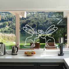Fensterbilder Two bunnies in love # window drawing who only have eyes for each other. Chalk Pens, Chalk Markers, Chalk Art, Window Markers, Rabbit Drawing, Drawing Drawing, Easter Drawings, Window Art, Chalkboard Art