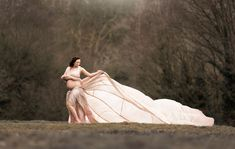 Dusty pink parachute dress on a pregnant lady in the woods in London - bespoke maternity shoots by Susan Porter-Thomas Photography Maternity Shoots, Maternity Portraits, Maternity Photography, Maternity Dresses, 36 Weeks Pregnant, Pregnant Lady, Parachute Dress, Big Skirts, Holland Park