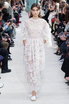 Valentino Spring 2019 Ready-to-Wear Collection - Vogue