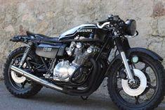 ϟ Hell Kustom ϟ: Suzuki By 21 Grammes Motorcycles Suzuki Cafe Racer, Inazuma Cafe Racer, Suzuki Motorcycle, Cafe Racer Motorcycle, Motorcycle Outfit, Motorcycle Helmets, Cafe Bike, Cafe Racer Bikes, Cafe Racer Build