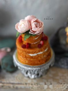 Dollhouse miniature dessert- Summer Fleur cake by CheilysMiniature on Etsy