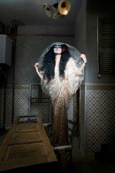 foto- Corina Olaru, stilist Laura Vargalui, hairstyle Geta Voinea, make-up Nicoleta Timus,model-Ana Gheorghe, Art Photography, Up, Blog, Model, Fashion, Moda, Fine Art Photography, Fashion Styles