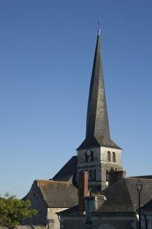 [Le Vieil-Baugé] à 25 minutes du chateau de Chambiers, découvrez les églises du Baugois et leurs clochers - un clocher tors
