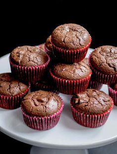 4 Points About Vintage And Standard Elizabethan Cooking Recipes! These Cocoa Muffins Are A Chocolate Lovers' Dream. Strongly Chocolatey, Rich, And Dense, In The Best Possible Way. Double Chocolate Muffins, Chocolate Cups, Chocolate Cupcakes, Chocolate Lovers, Healthy Chocolate Muffins, Chocolate Recipes, Muffin Recipes, Cupcake Recipes, Baking Recipes
