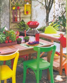 Cadeiras Lapa e Mesa Barbecue da MMM na revista Decorar mais por menos de Janeiro de 2012.