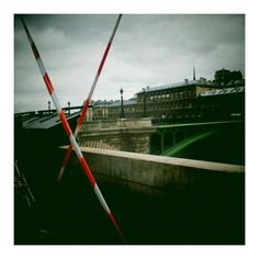14 septembre 2012 / Paris / Arrêt du bus 96 (vitre cassée) sur le Quai de Gesvres vers le Pont Notre Dame.
