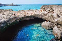 Cueva de la Poesía (Roca Vecchia, Puglia).