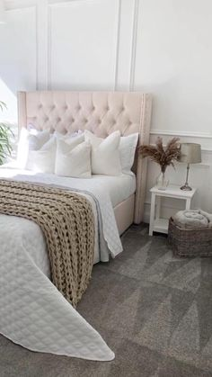 Grey Bedroom Decor, Room Ideas Bedroom, Bedroom Layouts, Cozy Bedroom, Room Decor Bedroom, Bedroom Furniture, Guest Room Furniture Ideas, Bedroom Decor Wallpaper, Sofa In Bedroom