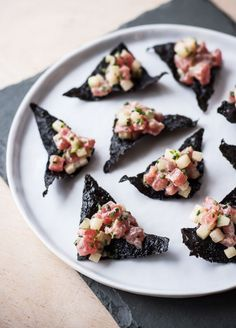 Tuna Tartare with Nori Chips - Blogging Over Thyme,  think this would also work with wonton chips