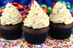 Cake Batter Buttercream Frosting: Cake Batter Buttercream Frosting - a creamy buttercream frosting flavored with cake mix and sprinkles that is perfect for a fun birthday celebration. Cake Recipes For Kids, Sheet Cake Recipes, Cake Recipes From Scratch, Easy Cake Recipes, Dessert Recipes, Oreo Desserts, Plated Desserts, Dinner Recipes, Healthy Recipes