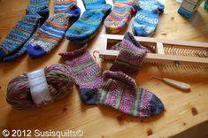 All in One Loom Patterns Knitting Loom Socks, Loom Knitting Stitches, Knifty Knitter, Loom Knitting Projects, Baby Knitting, Sock Loom Patterns, Fun Loom, Loom Craft, Loom Weaving