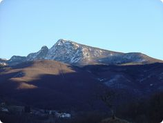 Viaggio alla scoperta del Parco dell'Aveto probabilmente ilpiù bello della Liguria. Mount Everest, Mountains, Nature, Travel, Naturaleza, Viajes, Destinations, Traveling, Trips