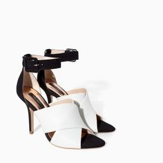 Zara heel sandals It's a size 38 which is a size or Only worn once. Bow Shoes, Shoes Heels Boots, Heeled Boots, Shoes Sandals, Zara Sandals, Zara Heels, Crazy Shoes, Me Too Shoes, White Lace Shoes