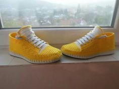 Zapatos tejidos